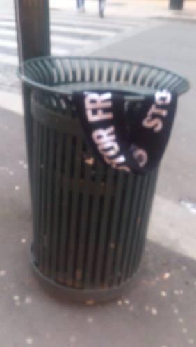 rosenborg-skjerf-i -søpla